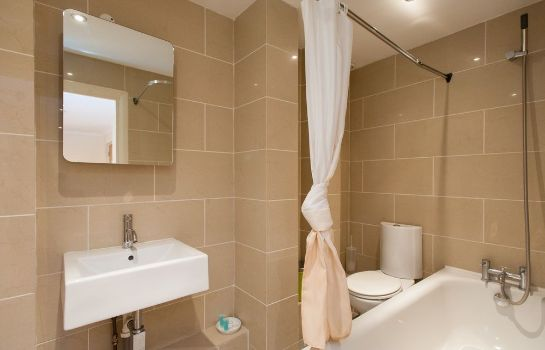Bagno in camera Southwark Serviced Apartments