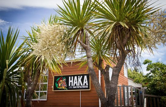 Exterior view Haka Lodge Queenstown - Hostel
