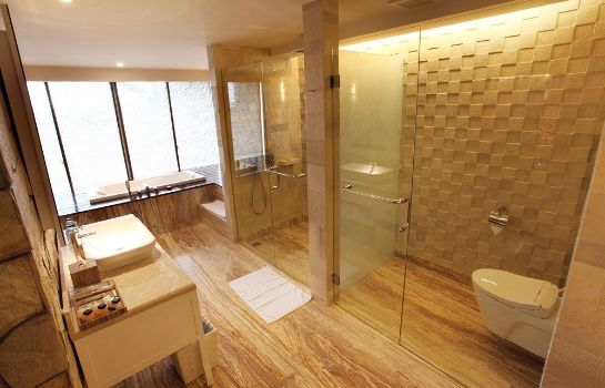 Bagno in camera TS Suites Bali