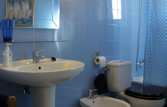 Bagno in camera Tíbula City Apartamento Turistico