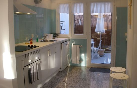 Cucina in camera Tíbula City Apartamento Turistico