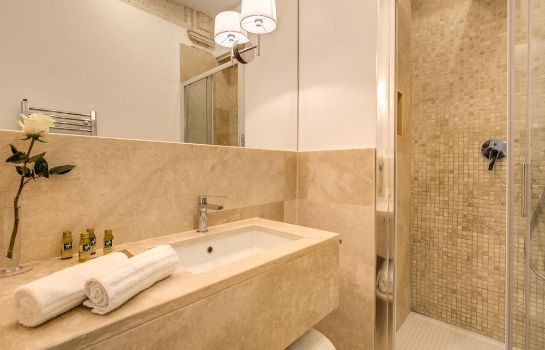 Bathroom Pantheonview - Luxury Suites