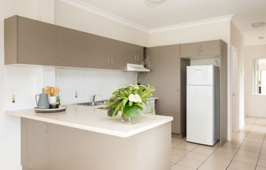 Kitchen in room Townsville Southbank Apartments