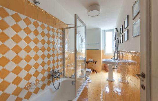 Bagno in camera Family Apartments Rinascimento Palace