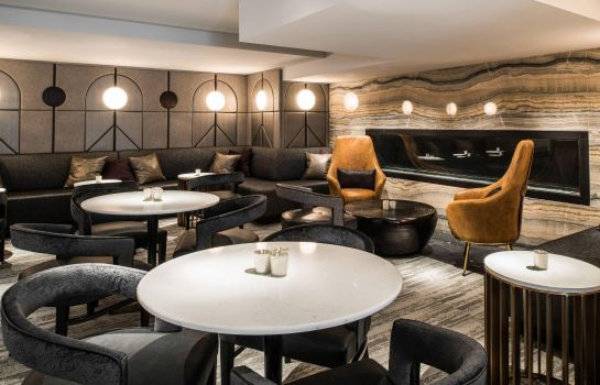 Hotel bar LondonHouse Chicago Curio Collection by Hilton