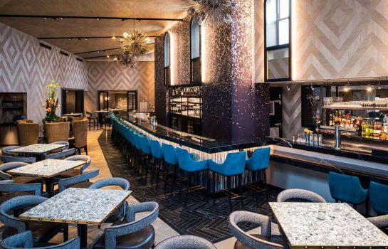Hotel-Bar LondonHouse Chicago Curio Collection by Hilton