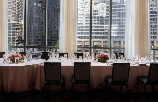 Restaurant LondonHouse Chicago Curio Collection by Hilton