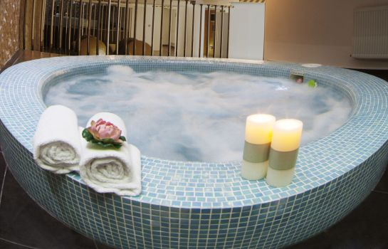 Whirlpool Garden Spa Boutique Hotel