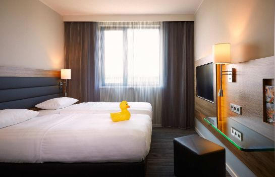 Room MOXY Munich Airport