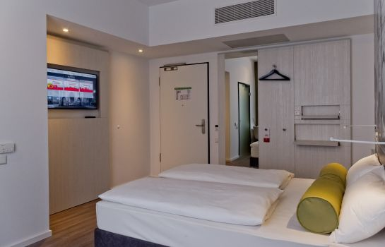Doppelzimmer Standard Super 8 Munich City West