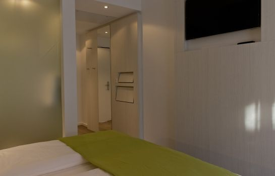Double room (standard) Super 8 Munich City North