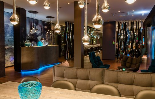 Reception Motel One Stuttgart-Bad Cannstatt