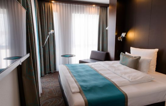 Single room (standard) Motel One Stuttgart-Bad Cannstatt
