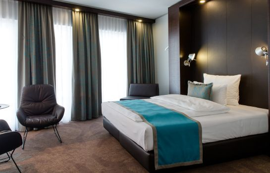 Single room (superior) Motel One Stuttgart-Bad Cannstatt