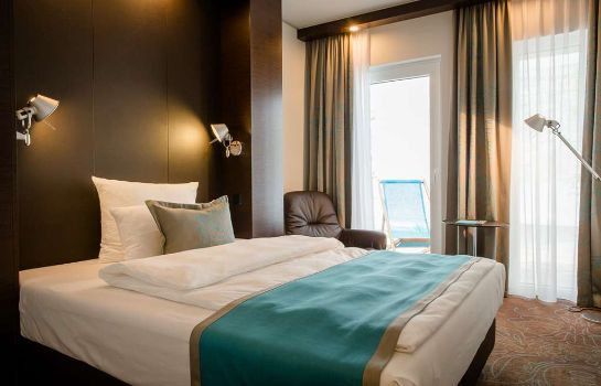 Room Motel One Stuttgart-Bad Cannstatt