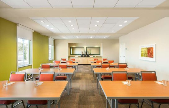Conference room Home2 Suites by Hilton Farmington-Bloomfield