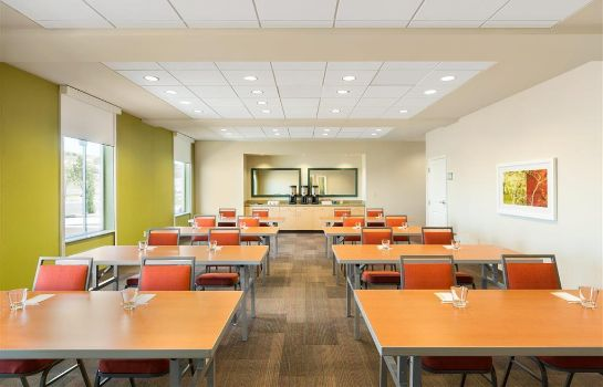 Conference room Home2 Suites by Hilton Farmington/Bloomfield