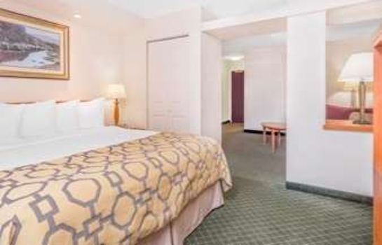 Suite BAYMONT INN & SUITES LITHIA SP