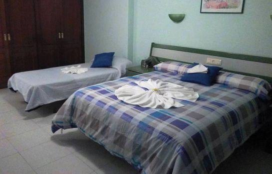 Triple room La Torre Hostal