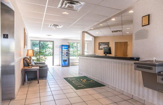 Lobby Quality Inn Binghamton West