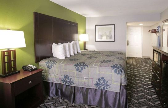Suite Rodeway Inn and Suites Downtown North