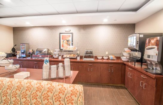 Restaurant Comfort Inn and Suites Brattleboro I-91