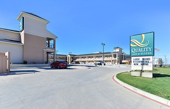 Exterior view Quality Inn & Suites Carrizo Springs
