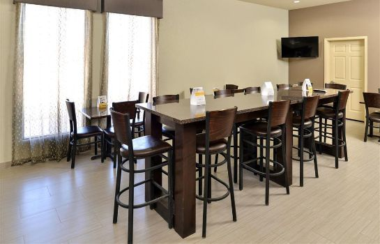 Restaurant Quality Inn and Suites