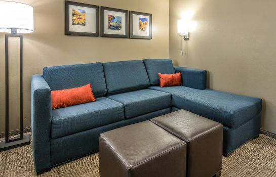 Kamers Comfort Suites near Rainbow Springs