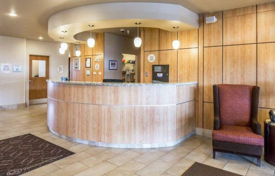 Lobby Comfort Suites Airport