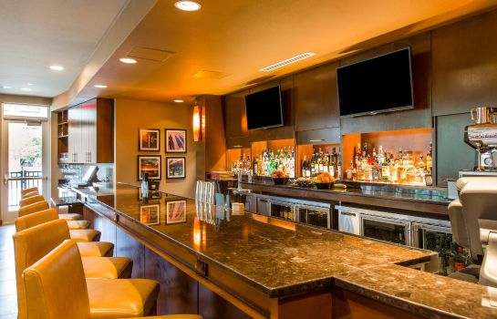 Bar del hotel Cambria hotel & suites Plano Frisco