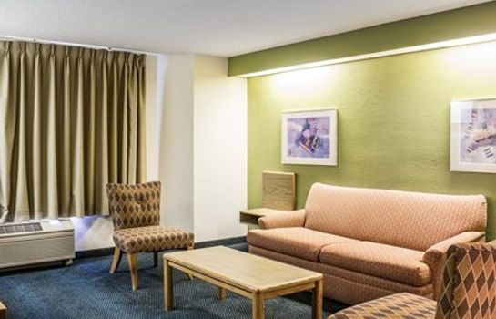 Suite Econo Lodge Inn & Suites Raleigh North