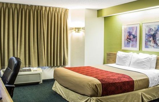Zimmer Econo Lodge Inn & Suites Raleigh North