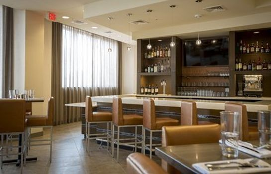 Restaurant Cambria hotel & suites Rockville