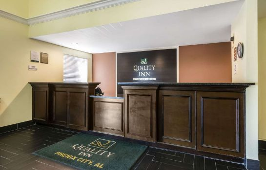 Vestíbulo del hotel Quality Inn Phenix City
