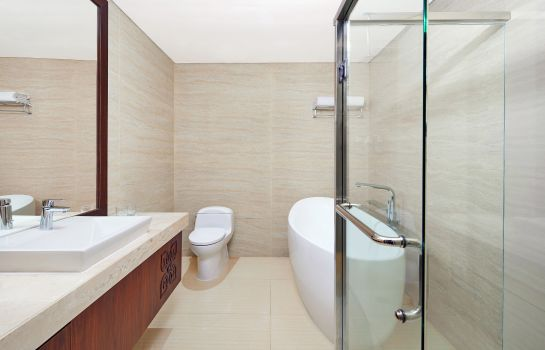 Suite Four Points by Sheraton Makassar