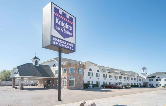 Buitenaanzicht KNIGHTS INN AND SUITES GRAND F