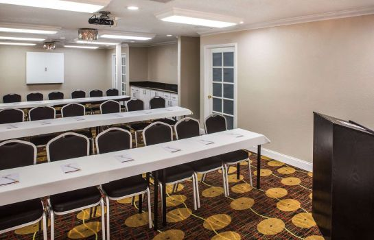 Conference room HAWTHORN SUITES BY WYNDHAM ORL