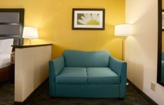 Chambre DAYS INN SUITES COMMERCE