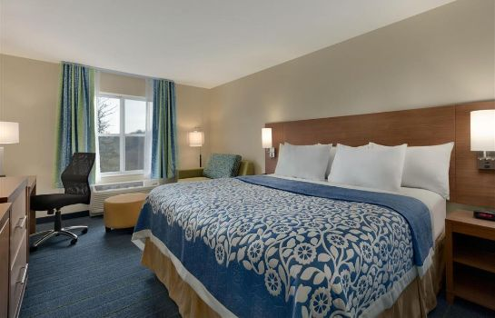 Zimmer DAYS INN AND SUITES ALTOONA