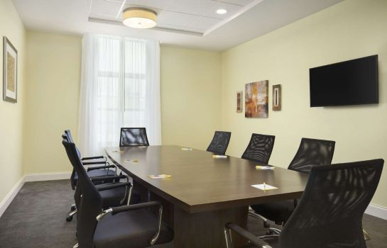 Conference room DAYS INN & SUITES BY WYNDHAM B