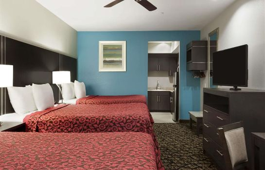 Suite Days Inn & Suites by Wyndham Houston North-Spring