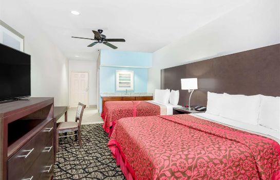 Suite Days Inn & Suites by Wyndham Madisonville