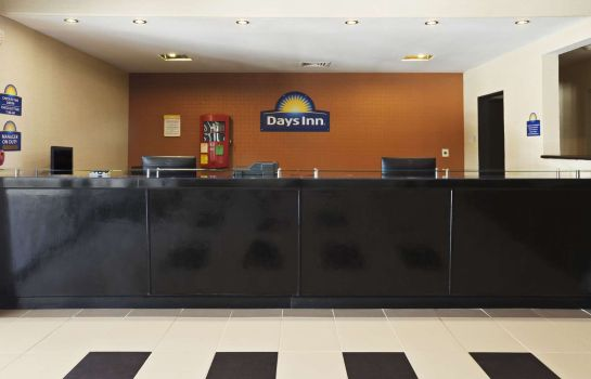 Hall Days Inn by Wyndham Henryetta