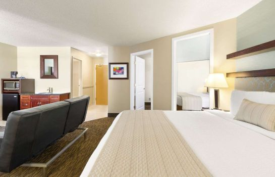 Suite DAYS INN VERMILION