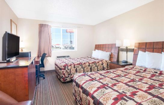 Zimmer KNIGHTS INN AND SUITES GRAND F