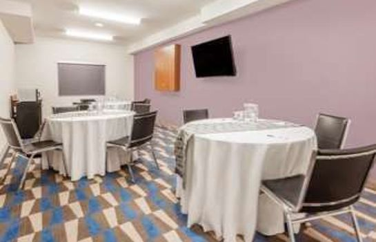 Sala congressi MICROTEL INN & SUITES BY WYNDH