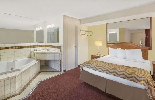 Suite TRAVELODGE BY WYNDHAM RENO
