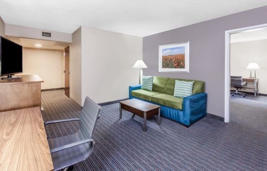 Suite WYNDHAM GARDEN OKLAHOMA CITY NORTH