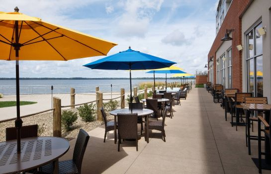 Restaurant Courtyard Erie Bayfront